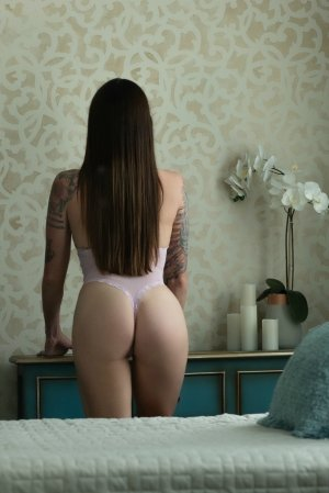Nahouel escort girl and happy ending massage
