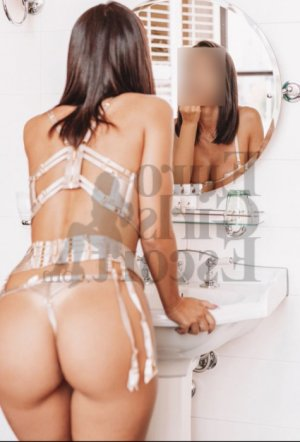 Klarisse live escort in Kendall West FL, massage parlor