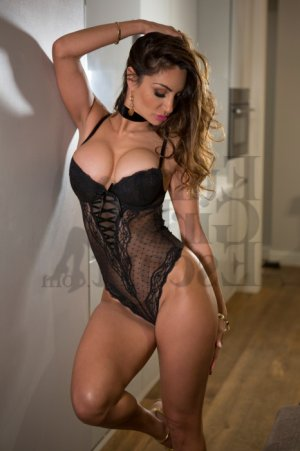 Kisha escort girl in Garden Grove