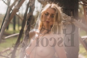 Cesarie live escort in Lynnwood WA, happy ending massage
