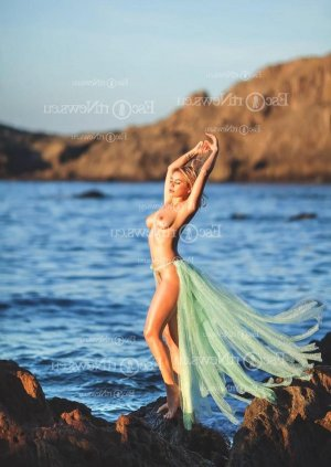 Alexandrine erotic massage in Hot Springs Village and call girl
