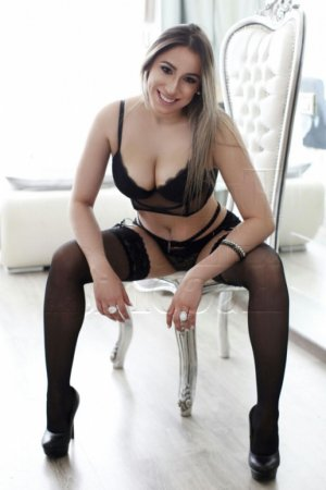 Djihane escorts in Menasha WI & thai massage
